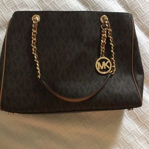 Michael Kors tote. Great condition.